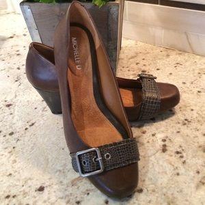 Michelle D buckle toe brown leather pumps size 9